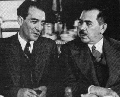 Lombardo Toledano; a su derecha, Lázaro Cárdenas.